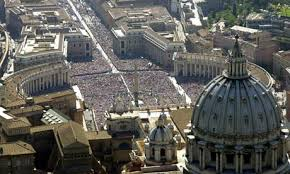 Basilica and crowd.jpeg