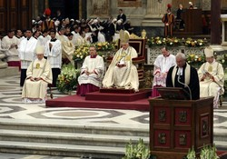 Benedict at Vespers for Con St Paul 09.jpg