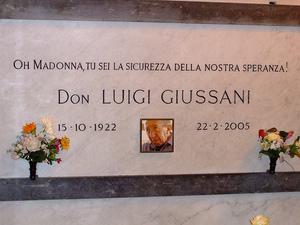 Luigi Giussani's grave marker.jpg