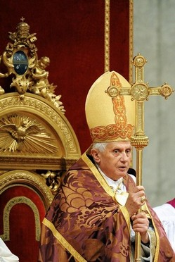 Pope Benedict at Advent Vespers 2008.jpg