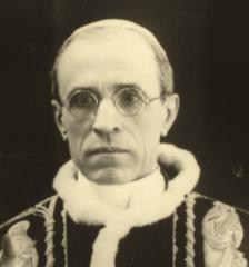 Pope Pius XII.jpg