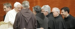 Pope with Franciscans2.jpg