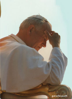 JPII in prayer.jpg