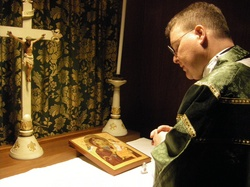 Fr MMorris blessing BVM Icon Jan 14 2010.jpg