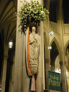 St Patrick's statue St Patrick's Cathedral 2010.jpg