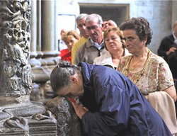 santiago-praying.jpg