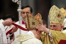 placing mitre on new bishop.jpg