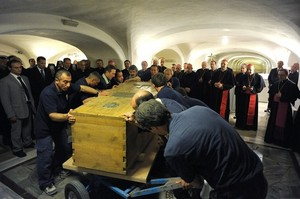 John Paul II exhumed April 29 2011.jpg