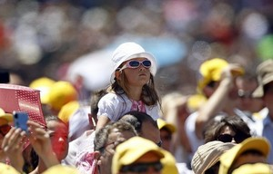 girl at Angelus June 26 2011.jpg