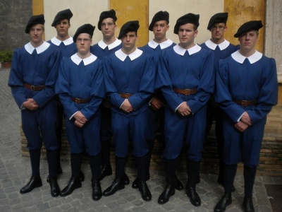 Swiss Guard recruits 2012.jpg