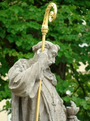 Benedict with golden staff.JPG