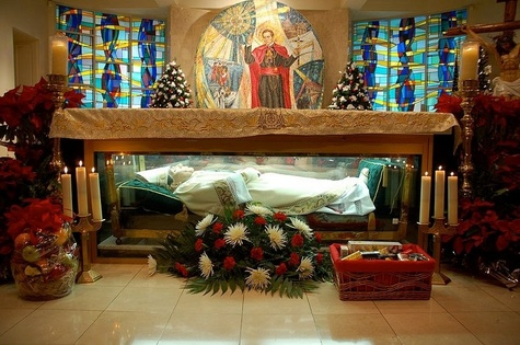 Body of St John Neumann.jpg