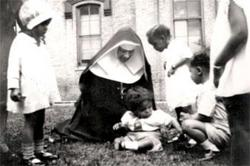 Katharine Drexel with children.jpg