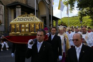 procession-of-st-hildegards-relics-2012