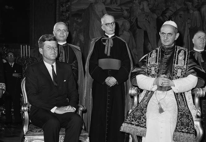 President-John-F.-Kennedy-and-Pope-Paul-