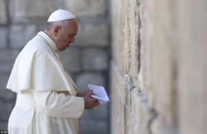 Francis at the Western Wall May 26 2014
