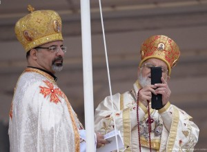 bishops with cell cameras